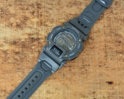 reloj-ditital-niño-gris