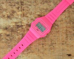 reloj-estilo-retro-silicona-niña-fucsia