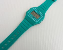 reloj-retro-silocona-verde