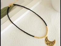 Collar Mostacilla Negro Dorado Luna - collares mujer